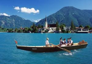 Ruderboot auf dem Tegernsee bei Rottach-Egern, Oberbayern, Bayern, Deutschland