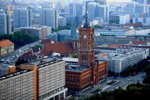 Сенат Берлина ищет, чем заполнить «архитектурную дыру» в центре города